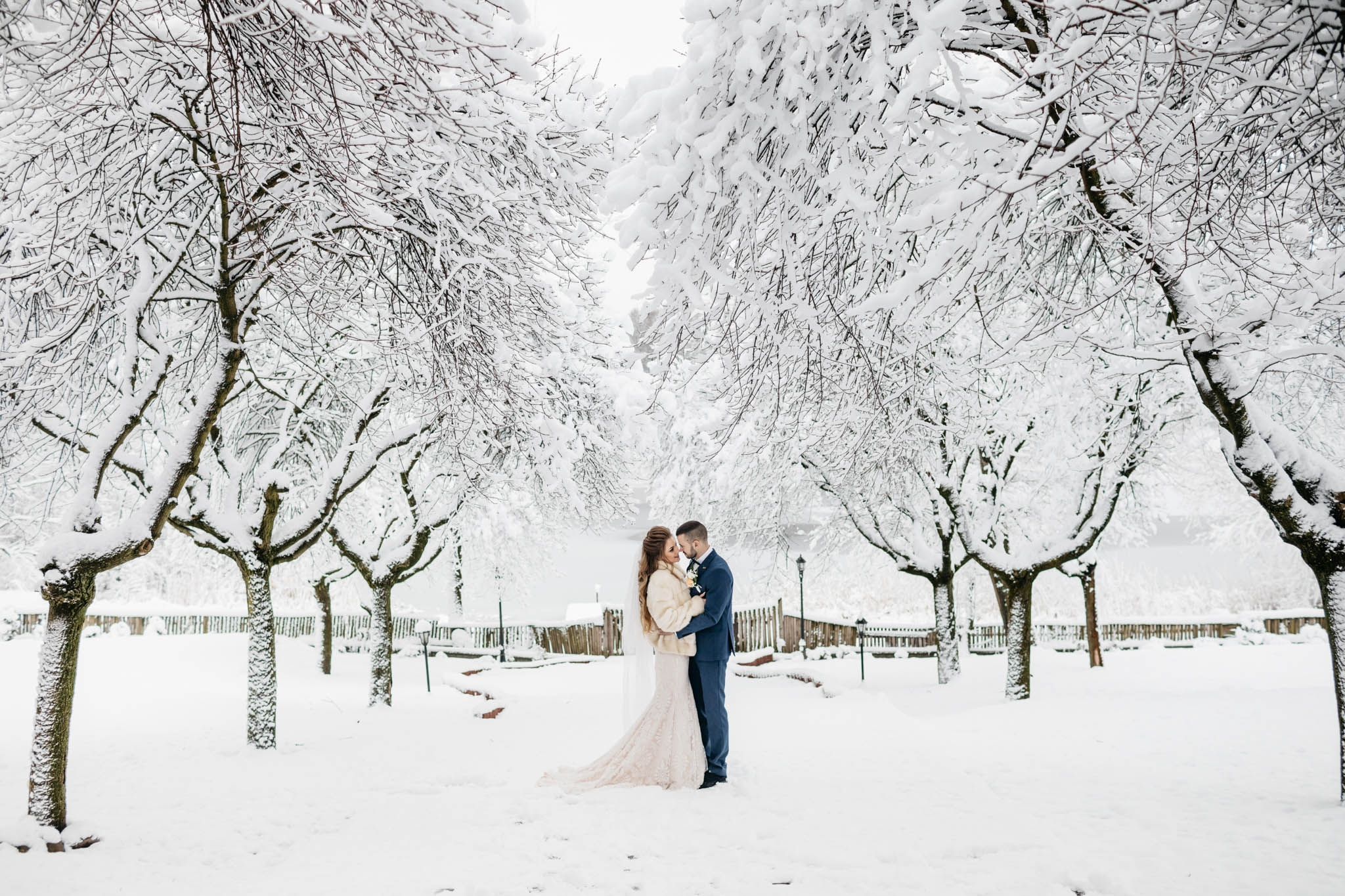 8 Reasons to Consider a Winter Wedding